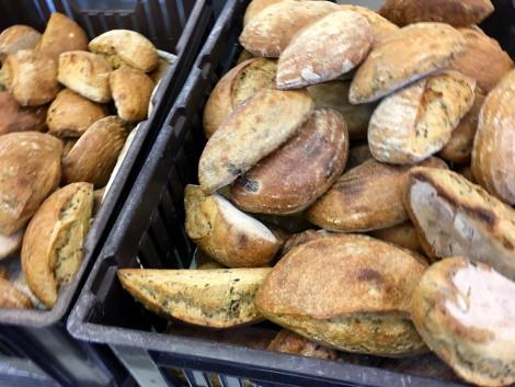 brød med ukrudt festlig lørdag